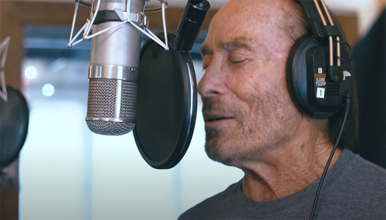 "Lee Greenwood's New Version of ""God Bless the USA"""