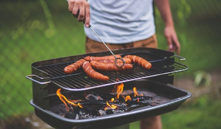 Tips for an At-Home Tailgate